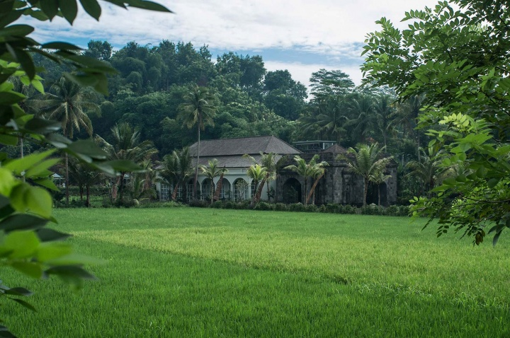 House in the rice paddies of Magelang.
